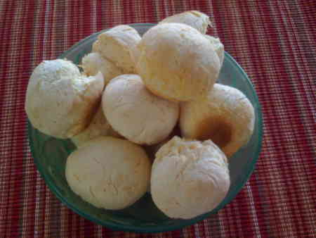 Post image for Pão de queijo com cream cheese